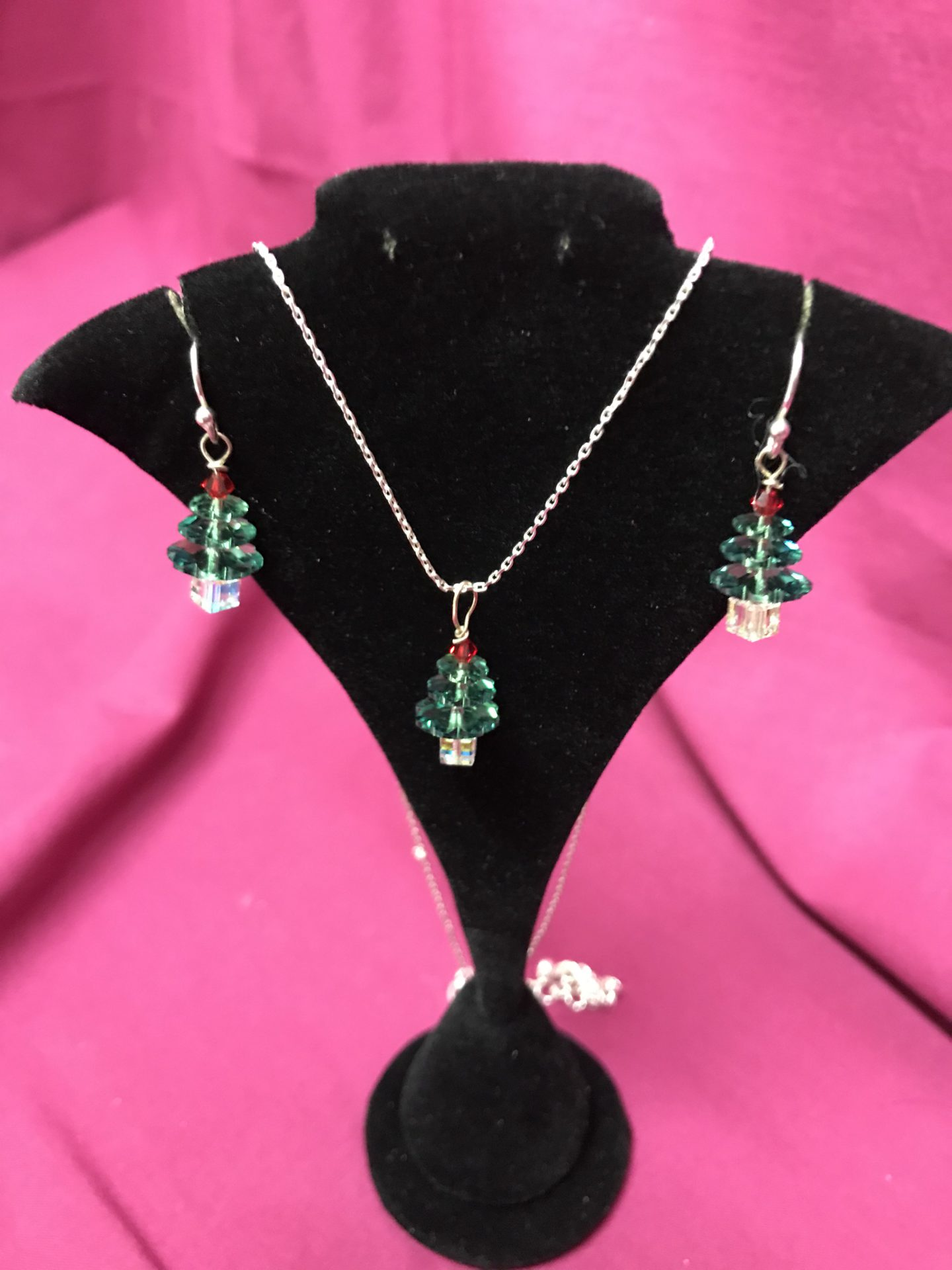 341 Christmas tree necklace & earrings